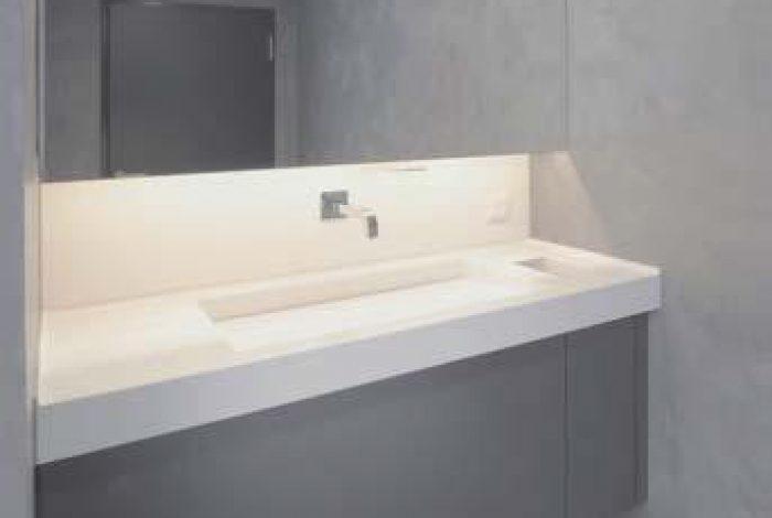Einzelplatz – Waschtischanlage mit individuell gefertigtem Waschbecken