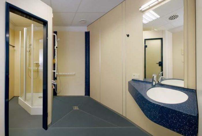 Etagen barrierefreie Dusche und Einzelduschkabine
