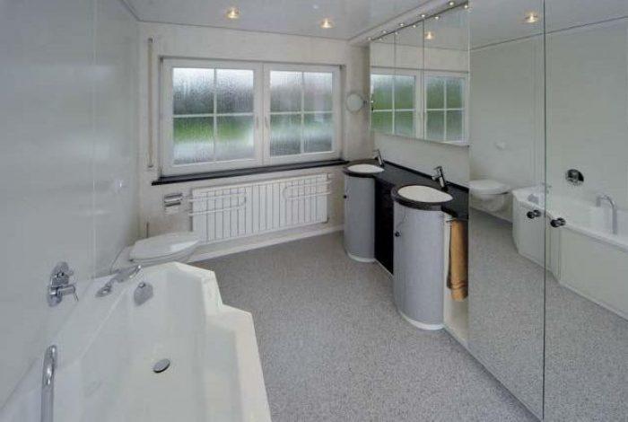 BW, WC, Badetuch-Heizkörper, Doppel WT mit Spiegelschrank, Wäscheschrank mit hohen Spiegeltüren, Lackspanndecke