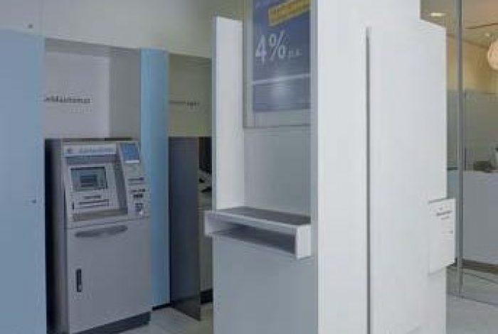 Hug-BW-Bank, Breuningerland Stuttgart-2