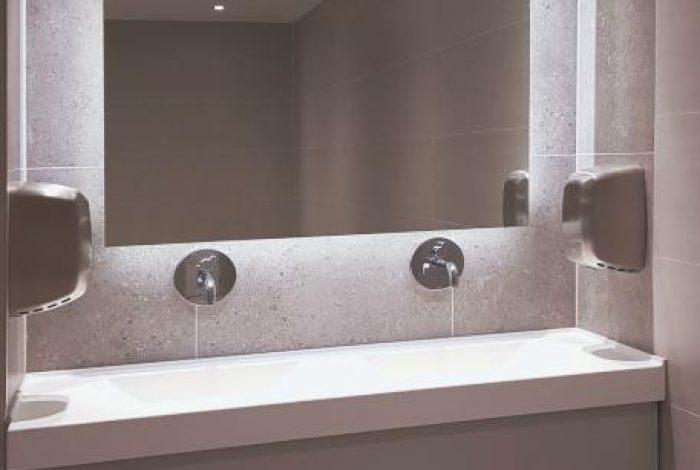 Gäste WC Doppel – Waschtisch und LED hinterleuchteter Wandspiegel