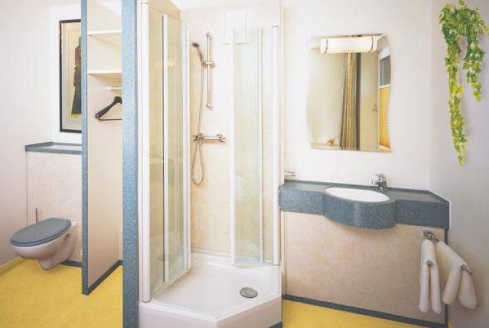 Einzelzimmer mit WC, Garderobe, DU, WT