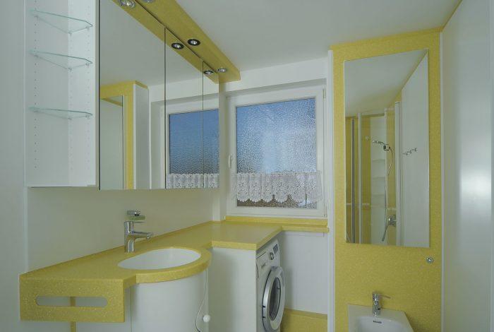 Waschtisch, Spiegelschrank, integrierte Waschmaschine und Bidet Modul